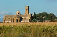 Europe, Espagne, Navarre, Carcastillo, Monastère de la Oliva, monastère cistercien du XIIe siècle // Europe, Spain, Navarre, Carcastillo: the Monastery of La Oliva
