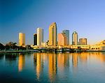 USA, Florida, Tampa: Sunset over Downtown Area   USA, Florida, Tampa: Downtown bei Sonnenuntergang