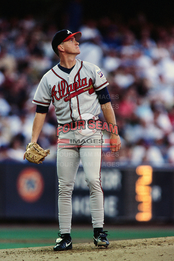 Tom Glavine of the Atlanta Braves during a game against the Los Angeles Dodgers at Dodger Stadium circa 1999 in Los Angeles, California. (Larry Goren/Four Seam Images)