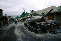 A Russian tank abandon 20 years ago just before the Shibar Pass at 3000 meters high on the way to Bamiyan. Hazarajat, Afghanistan.