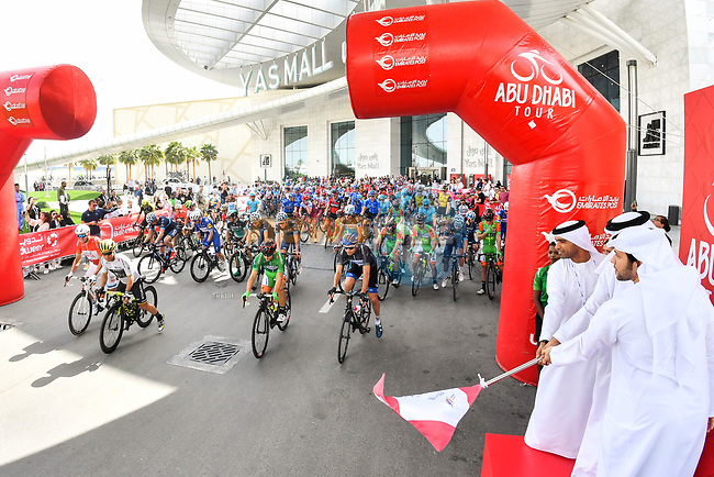 The ceremonial start of Stage 2 of the 2018 Abu Dhabi Tour, Yas Island Stage running 154km from Yas Mall to Yas Beach, Abu Dhabi, United Arab Emirates. 22nd February 2018.<br /> Picture: LaPresse/Massimo Paolone | Cyclefile<br /> <br /> <br /> All photos usage must carry mandatory copyright credit (© Cyclefile | LaPresse/Massimo Paolone)
