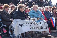 Mehrere hundert Menschen kamen zur Feierlichkeit anlaesslich des 70. Jahrestages der Befreiung des Frauen-Konzentrationslagers Ravensbrueck, unter ihnen auch die Bundesminsiterin fuer Bildung, Johanna Wanka. Von den ueber 120.000 Frauen und 20.000 Maennern, die im Nationalsozialismus in dem Konzentrationslager inhaftiert waren leben 70 Jahre nach der Befreiung durch die Rote Armee nur noch 160. Viele der Ueberlebenden waren u.a. aus Frankreich, Norwegen, Polen, Spanien, Slovakei und Italien angereist.<br /> Im Anschluss an die offiziellen Reden wurden Kraenze am Manhmal am Schwedter See niedergelegt. In dem See wurde in der NS-Zeit die Asche der ermordeten gekippt.<br /> Im Bild: Ueberlebende und Mitglieder der Lagergemeinschaft Ravensbrueck.<br /> 19.4.2015, Ravensbrueck/Brandenburg<br /> Copyright: Christian-Ditsch.de<br /> [Inhaltsveraendernde Manipulation des Fotos nur nach ausdruecklicher Genehmigung des Fotografen. Vereinbarungen ueber Abtretung von Persoenlichkeitsrechten/Model Release der abgebildeten Person/Personen liegen nicht vor. NO MODEL RELEASE! Nur fuer Redaktionelle Zwecke. Don't publish without copyright Christian-Ditsch.de, Veroeffentlichung nur mit Fotografennennung, sowie gegen Honorar, MwSt. und Beleg. Konto: I N G - D i B a, IBAN DE58500105175400192269, BIC INGDDEFFXXX, Kontakt: post@christian-ditsch.de<br /> Bei der Bearbeitung der Dateiinformationen darf die Urheberkennzeichnung in den EXIF- und  IPTC-Daten nicht entfernt werden, diese sind in digitalen Medien nach §95c UrhG rechtlich geschuetzt. Der Urhebervermerk wird gemaess §13 UrhG verlangt.]