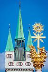 Deutschland, Niederbayern, Straubing: Stadtturm und Dreifaltigkeitssaeule | Germany, Lower Bavaria, Straubing: City Tower and Trinity Column