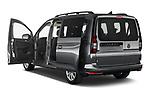 Car images of 2021 Volkswagen Caddy Maxi-Life 5 Door Mini Mpv Doors