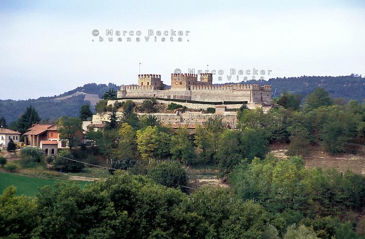 Il castello di Montesegale (Pavia) --- The castle of Montesegale (Pavia)