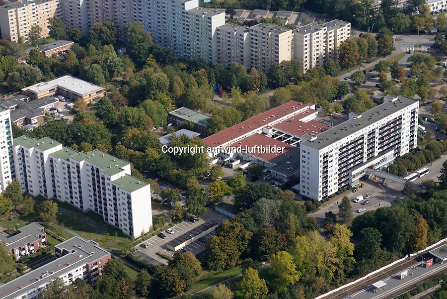 Bergedorf West Einkaufszentrum: EUROPA, DEUTSCHLAND, HAMBURG, (EUROPE, GERMANY), 25.09.2019: Bergedorf West Einkaufszentrum