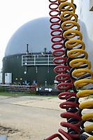 Germany, Biogas plant / DEUTSCHLAND, Damnatz im Wendland, Hof und Biogasanlage von Horst Seide, PlanET Gasspeicher
