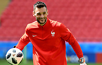 KAZAN - RUSIA, 15-06-2018: Hugo Lloris, arquero de Francia, durante entrenamiento como parte de la Copa Mundo FIFA 2018 Rusia. / Hugo Lloris goalkeeper of France during training at Kazan Arena as part of the 2018 FIFA World Cup Russia. Photo: VizzorImage / Julian Medina / Cont