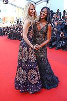 Naomi Campbell et Nicole Kidman sur le tapis rouge pour la soirée dans le cadre de la journée anniversaire de la 70e édition du Festival du Film à Cannes, Palais des Festivals et des Congres, Cannes, Sud de la France, mardi 23 mai 2017.