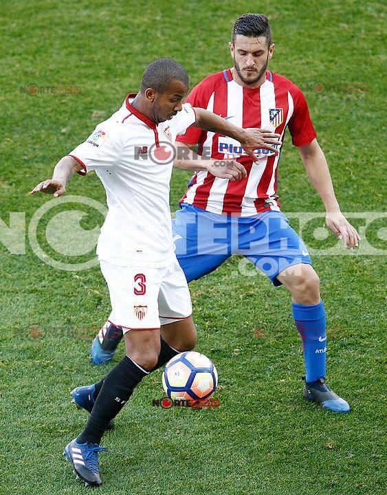 Atletico de Madrid's Koke Resurrecccion (r) and Sevilla FC's Mariano Ferreira during La Liga match. March 19,2017. (ALTERPHOTOS/Acero) /NORTEPHOTO.COM