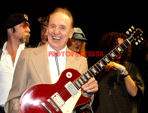 Les Paul 1993..Photo by Chris Walter/Photofeatures..