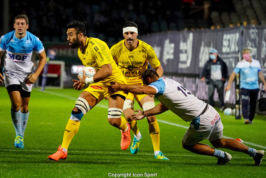 Victor VITO of Stade Rochelais and Gaetan GERMAIN of Aviron Bayonnais during the Top 14 match between Bayonne and La Rochelle at Stade Jean Dauger on October 9, 2020 in Bayonne, France. (Photo by Pierre Costabadie/Icon Sport) - Stade Jean Dauger - Bayonne (France)