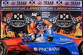 Scott Dixon, Chip Ganassi Racing Honda celebrates in victory lane