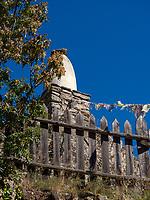 Tschörten bei Schloss Juval, Vinschgau, Region Südtirol-Bolzano, Italien, Europa<br /> Stupa near Museum Castle Juval, Vinschgau, Region South Tyrol-Bolzano, Italy, Europe