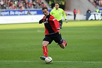 Faton Toski (EIntracht) auf dem Weg zum 1:0<br /> Eintracht Frankfurt vs. VfL Bochum, Commerzbank Arena<br /> *** Local Caption *** Foto ist honorarpflichtig! zzgl. gesetzl. MwSt. Auf Anfrage in hoeherer Qualitaet/Aufloesung. Belegexemplar an: Marc Schueler, Am Ziegelfalltor 4, 64625 Bensheim, Tel. +49 (0) 6251 86 96 134, www.gameday-mediaservices.de. Email: marc.schueler@gameday-mediaservices.de, Bankverbindung: Volksbank Bergstrasse, Kto.: 151297, BLZ: 50960101