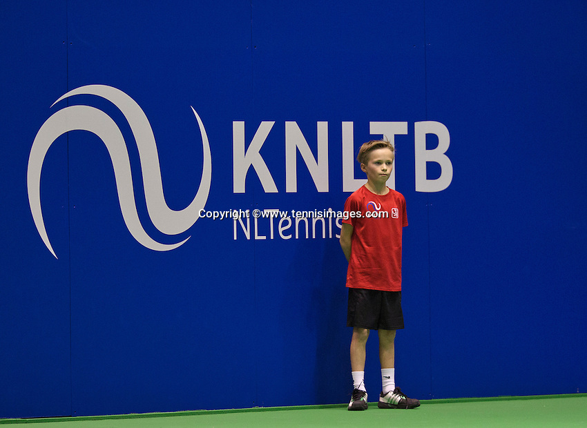 December 16, 2014, Rotterdam, Topsport Centrum, Lotto NK Tennis, Ballboy<br /> Photo: Tennisimages/Henk Koster