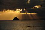 Sunset in the ocean in Hirado.<br /> <br /> Coucher de soleil dans l'océan à Hirado. Japon.