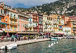 Frankreich, Provence-Alpes-Côte d'Azur, Villefranche-sur-Mer: Restaurants und Cafés  am Quai de l'Amiral Courbet   France, Provence-Alpes-Côte d'Azur, Villefranche-sur-Mer: restaurants and cafes at Quai de l'Amiral Courbet