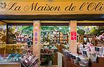 Frankreich, Provence-Alpes-Côte d'Azur, Nizza: Einkaufen in Nizzas Altstadtgassen, Olivenoele im La Maison de l'Olive | France, Provence-Alpes-Côte d'Azur, Nice: shopping in Old Town quarter - olive oils at La Maison de l'Olive