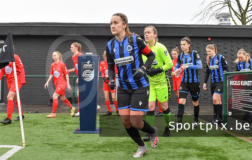 illustration picture showing both teams with Ellen Martens (2) of Club Brugge entering the pitch during a female soccer game between Club Brugge Dames YLA and White Star Woluwe on the 12 th matchday of the 2020 - 2021 season of Belgian Scooore Womens Super League , saturday 30 January 2021  in Brugge , Belgium . PHOTO SPORTPIX.BE | SPP | DAVID CATRY