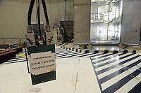 - centrale elettronucleare di Caorso, in via di disattivazione da parte della società Sogin, responsabile per lo smantellamento degli impianti nucleari italiani dopo i referendum popolari del 1987 e del 2011<br /> <br /> - Caorso nuclear power station, in the process of deactivation by the company Sogin, responsible for decommissioning of Italian nuclear plants after the popular referendums of 1987 and 2011