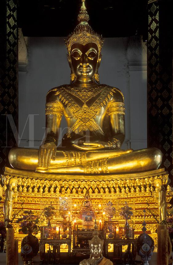Revered 6 METER GOLD BUDDHA at WAT NA PRAMAN (WAT NAPHRAMERU) built by RAMADHIBODI - AYUTTHAYA, THAILAND