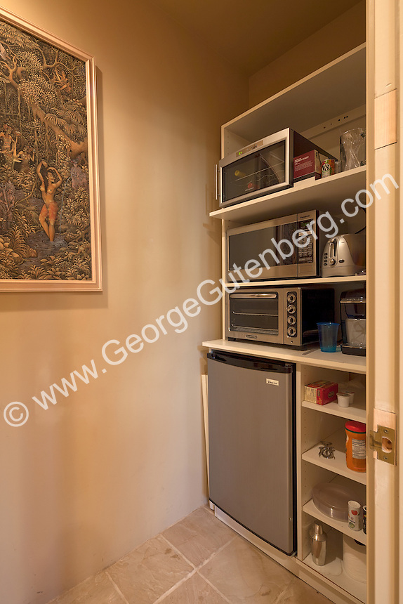 Mini kitchen in guest casita
