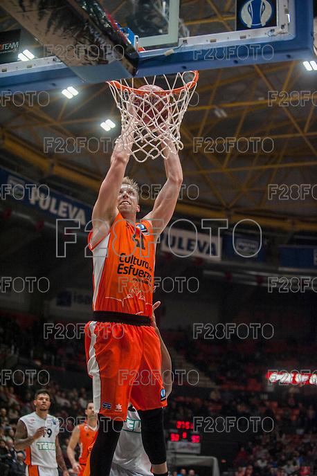 VALENCIA, SPAIN - December 2: Justin Hamilton during EUROCUP match between Valencia Basket Club and Ratiopharm ULM at Fonteta Stadium on December 2, 2015