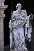 Statue of St. Paul's, St Peter's Basilica at the Vatican    .18/11/2009        .