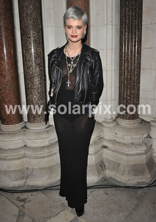 **ALL ROUND PICTURES FROM SOLARPIX.COM**.**WORLDWIDE SYNDICATION RIGHTS**.Press room and backstage at the British Fashion Awards 2009.  Held at the Royal Courts of Justice, Strand, London, UK.  9 December 2009..This pic: Pixie Geldof..JOB REF: 10368 SSD     DATE: 09_12_2009.**MUST CREDIT SOLARPIX.COM OR DOUBLE FEE WILL BE CHARGED**.**MUST NOTIFY SOLARPIX OF ONLINE USAGE**.**CALL US ON: +34 952 811 768 or LOW RATE FROM UK 0844 617 7637**