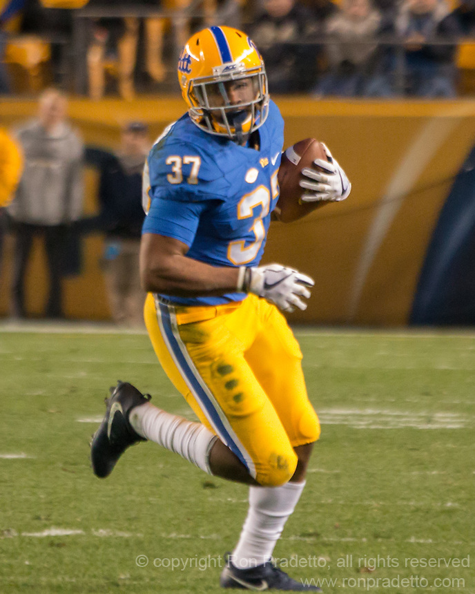Pitt running back Qadree Ollison. The North Carolina Tarheels defeated the Pitt Panthers football team 34-31 at Heinz Field, Pittsburgh, Pennsylvania on November 9, 2017.