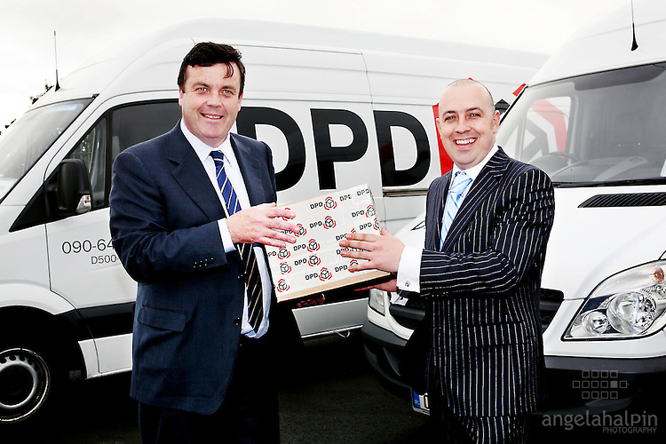 DPD Dublin Northwest Depot launch: Minister for Finance, Mr Brian Lenihan TD is pictured with Mr Jason Tuthill today Thursday 27th August 2009 as the Minister launched the new DPD Dublin Northwest Depot Damastown Rd, Damastown Ind. Park, Dublin 15