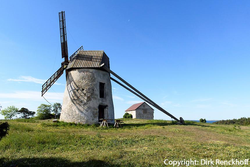 Windmühle bei St.Olofsholm auf der Insel Gotland, Schweden, Europa<br /> windmill at St.Olofsholm, Isle of Gotland Sweden