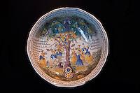Europe/France/Aquitaine/24/Dordogne/Bergerac:  Musée d'Anthropologie du Tabac installé dans  la Maison Peyrarède.<br /> Plat creux - Faïence  Arbre d'amour AN II 1803