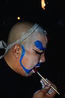 China, Peking, Pekingoper, in der Maske, Rolle des Buddha