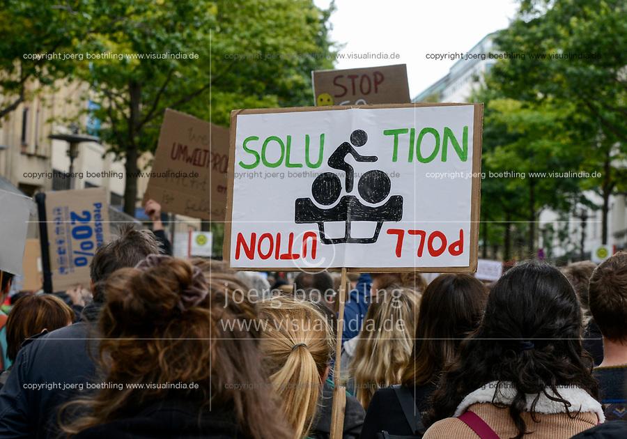 GERMANY, Hamburg city, Fridays for future movement, All for Climate rally with 70.000 protesters for climate protection / DEUTSCHLAND, Hamburg, Jungfernstieg und Binnenalster, Fridays-for future Bewegung, Alle fürs Klima Demo fuer Klimaschutz 20.9.2019