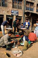 NEPAL Kathmandu, skill project, vocational training as electrician for young students / NEPAL Kathmandu, Skill Projekt, Berufsausbildung fuer Jugendliche, Elektriker Kurs
