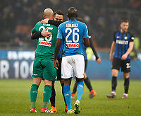 Calcio, Serie A: Inter - Napoli, Milano, stadio Giuseppe Meazza (San Siro), 11 marzo 2018.<br /> Inter's and Napoli's players greet at the end of the Italian Serie A football match between Inter Milan and Napoli at Giuseppe Meazza (San Siro) stadium, March 11, 2018.<br /> Inter Milan and Napoli drawns 0-0.<br /> UPDATE IMAGES PRESS/Isabella Bonotto