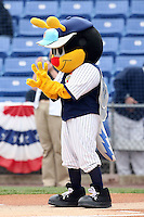 May 2, 2009:  Mascots for the Binghamton Mets, Eastern League Class-AA affiliate of the New York Mets, entertain fans before a game at the NYSEG Stadium in Binghamton, NY.  Photo by:  Mike Janes/Four Seam Images