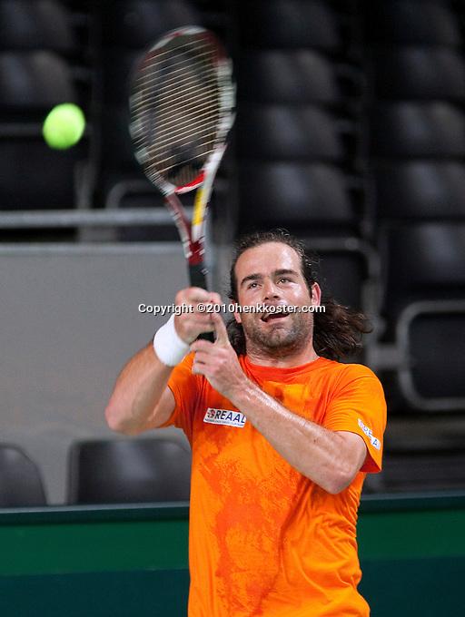 03-05-10, Zoetermeer, SilverDome, Tennis, Training Davis Cup, Raemon Sluiter