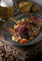 Europe/Allemagne/Forêt-Noire /Haüsern : Cotelettes  de chevreuil, choux rouge,spatzles et poires pochées recette de  Winfried Zumkeller restaurant de l'Hotel Adler