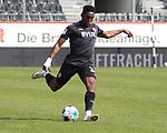 Frank Ronstadt (Nr.34, Wuerzburger Kickers) am Ball  beim Spiel in der 2. Bundesliga, SV Sandhausen - Wuerzburger Kickers.<br /> <br /> Foto © PIX-Sportfotos *** Foto ist honorarpflichtig! *** Auf Anfrage in hoeherer Qualitaet/Aufloesung. Belegexemplar erbeten. Veroeffentlichung ausschliesslich fuer journalistisch-publizistische Zwecke. For editorial use only. For editorial use only. DFL regulations prohibit any use of photographs as image sequences and/or quasi-video.