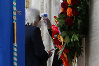 Film director Enrico Vanzina is taken the temperature during the funeral of the Italian actor Gigi Proietti. The actor was taken to the Globe Theatre for a short ceremony before the one in the church of Artist in Piazza del popolo.<br /> Rome (Italy), November 5th 2020<br /> Photo Samantha Zucchi Insidefoto