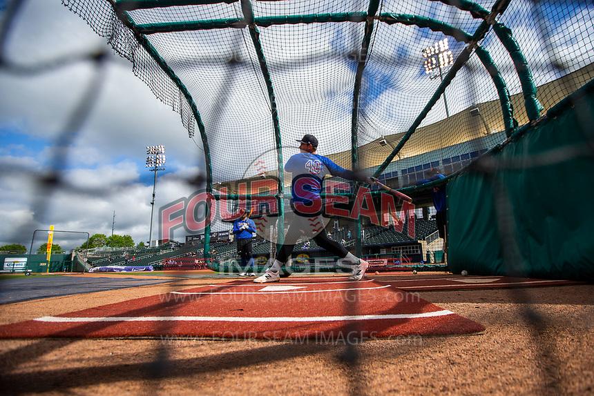 Midland RockHounds infielder Anthony Miller (40) takes batting practice on May 4, 2019, at Arvest Ballpark in Springdale, Arkansas. (Jason Ivester/Four Seam Images)