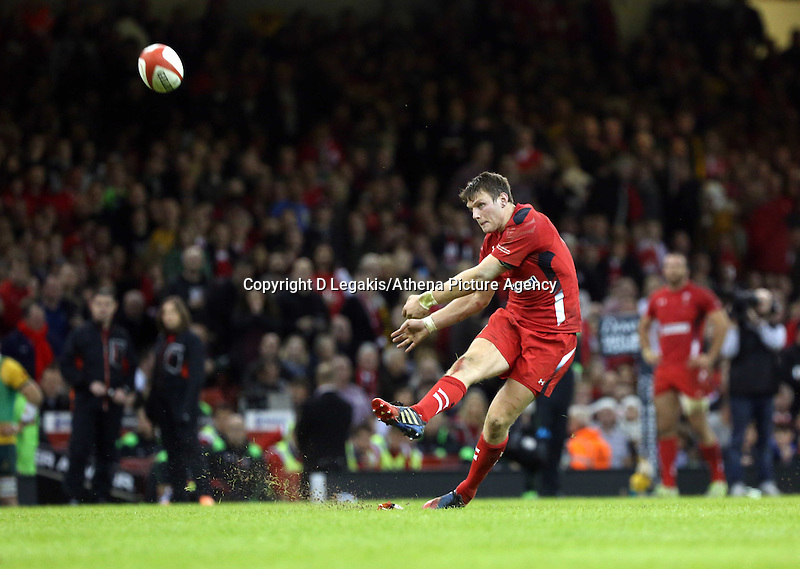 Pictured: Dan Biggar of Wales scores from the spot. Saturday 08 November 2014<br /> Re: Dove Men Series rugby, Wales v Australia at the Millennium Stadium, Cardiff, south Wales, UK.