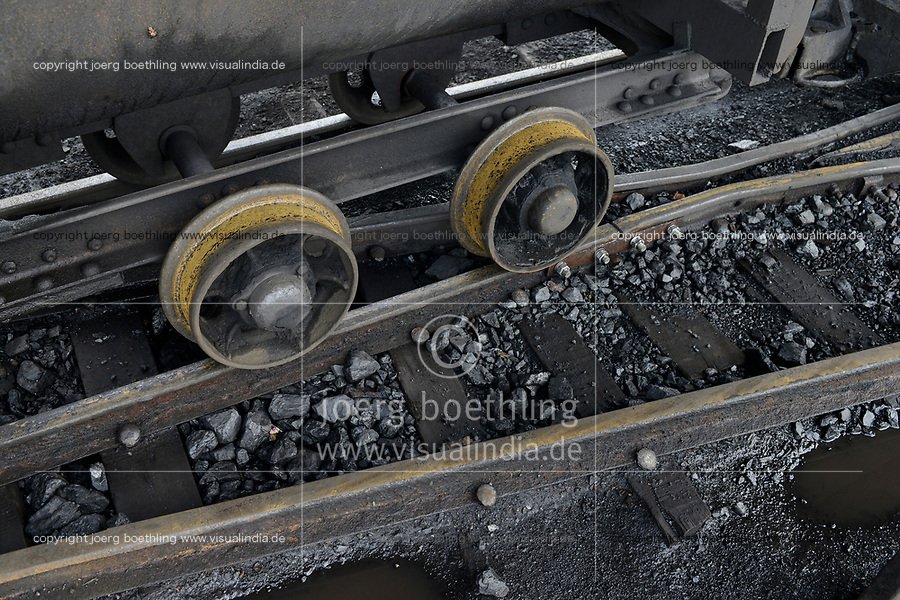 ZAMBIA, Sinazese, chinese owned Collum Coal Mine, underground mining of hard coal for copper melter and cement factory, rail track for coal wagon /SAMBIA, Collum Coal Mine eines chinesischem Unternehmens, Untertageabbau von Steinkohle, Schiene fuer Loren