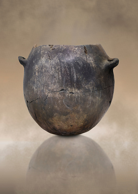 Neolithic terracotta pot . Catalhoyuk collection, Konya Archaeological Museum, Turkey