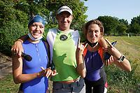 Raika und Maren Gieltwoski aus Rüsselsheim warten auf den Start und freuen sich auf die Teilnahme mit Starter Andi Reissner (SKV Mörfelden) - Mörfelden-Walldorf 18.07.2021: MoeWathlon