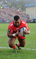 Steffon Armitage of RC Toulon dives over to score a try during the European Rugby Champions Cup match between Bath Rugby and RC Toulon - 23/01/2016 - The Recreation Ground, Bath Mandatory Credit: Rob Munro/Stewart Communications