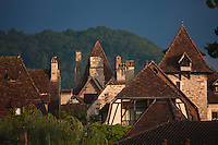 Europe/Europe/France/Midi-Pyrénées/46/Lot/Carennac: les toits des maisons du village - Plus Beaux Villages de France